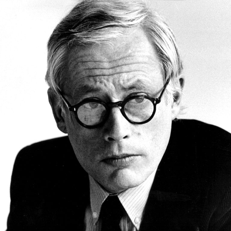 Design Luminy Rams-portrait-768x768 Dieter Rams - Les dix principes du bon design Textes  Good Design Dieter Rams Braun   Design Marseille Enseignement Luminy Master Licence DNAP+Design DNA+Design DNSEP+Design Beaux-arts